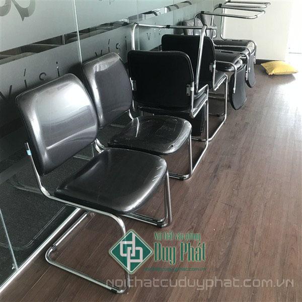 Các sản phẩm ghế chân quỳ da màu đen sạch sẽ và thiết kế hiện đại, phù hợp cho nhu cầu về nội thất văn phòng Thái Nguyên
