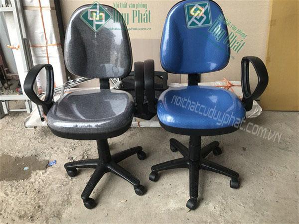 Ghế chân xoay với phần đệm mút cũng là một trong những sản phẩm được ưa chuộng sử dụng nhất mà bạn không nên bỏ qua với dịch vụ nội thất văn phòng Hải Phòng