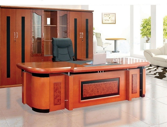 Những mẫu bàn giám đốc mệnh Mộc đẹp, chuẩn phong cách