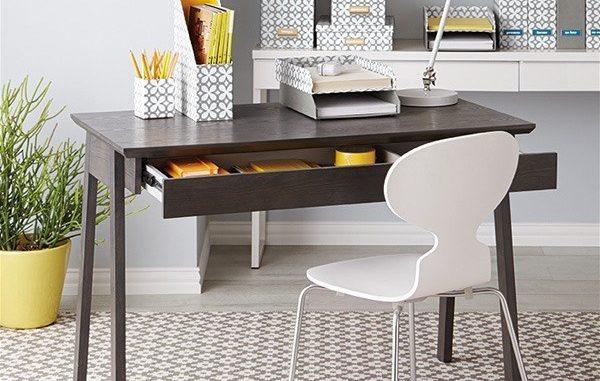 Tổng hợp những mẫu bàn làm việc đơn giản tại Nhà HOT nhất 2020